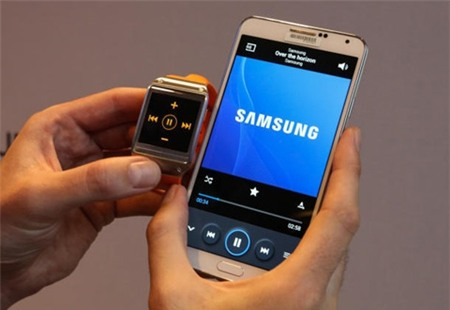 Galaxy Gear, Samsung