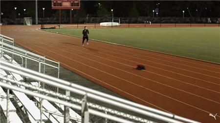 Puma giới thiệu robot chạy ngang với... Usain Bolt
