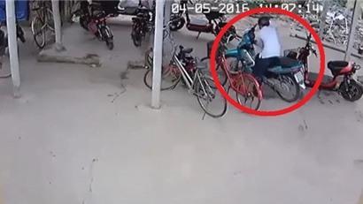 Đắng lòng với game thủ ăn trộm xe máy tại quán net bị tóm