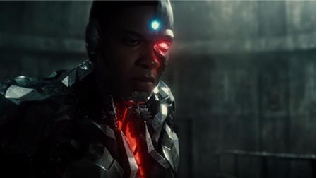 Justice League tung trailer chính thức đầu tiên: batman và những người bạn