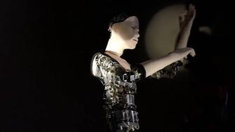 Nhật giới thiệu robot biết tự biểu cảm và phản ứng với môi trường bằng các thao tác uyển chuyển