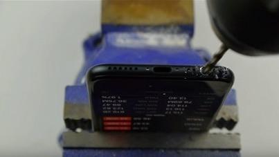 Video khoan lỗ iPhone 7 để tự tạo cổng tai nghe 3.5 mm khiến nhiều người bị lừa
