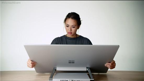Video về chiếc máy tính AIO Microsoft Surface Studio