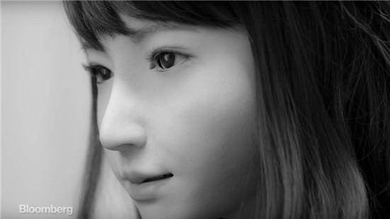 Erica - Robot xinh đẹp nhưng có vẻ mặt đáng sợ nhất