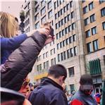 Ảnh do nhà báo Lauren Crabbe chụp gần vạch đích của cuộc chạy đường dài ở Boston (15/4/2013).