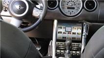 Độ tablet trên ô tô