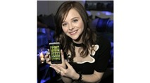 Diễn viên Chloe Moretz rạng rỡ bên BlackBerry Z10