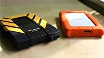Lacie Rugged Mini và Adata DashDrive Durable: Đối thủ ngang tài ngang sức