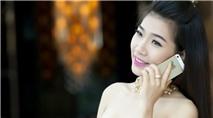 Á khôi Hoàng Y Nhung lung linh với iPhone 5S vàng