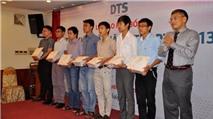 """DTS trao học bổng """"Tìm kiếm tài năng trẻ DTS"""""""