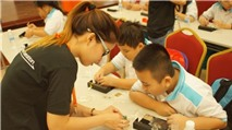 Sony hướng dẫn học sinh lắp ráp bộ phát và lưu trữ điện