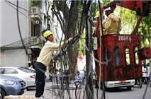 """CMC Telecom chung tay dọn """"rác trời"""" làm đẹp thành phố"""