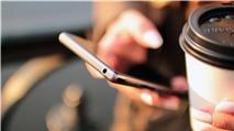 Mua siêu phẩm giảm giá hết thời hay smartphone tầm trung đời mới?