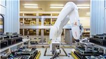 Hàng chục nghìn công nhân mất việc do robot sẽ sản xuất iPhone
