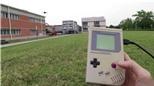 Dùng GameBoy năm 1989 để điều khiển drone!