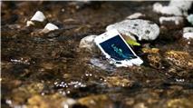 """Cách """"cấp cứu"""" smartphone khi ướt"""
