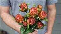 Quà 20/10 gây sốt mạng: Hoa hồng thịt xông khói